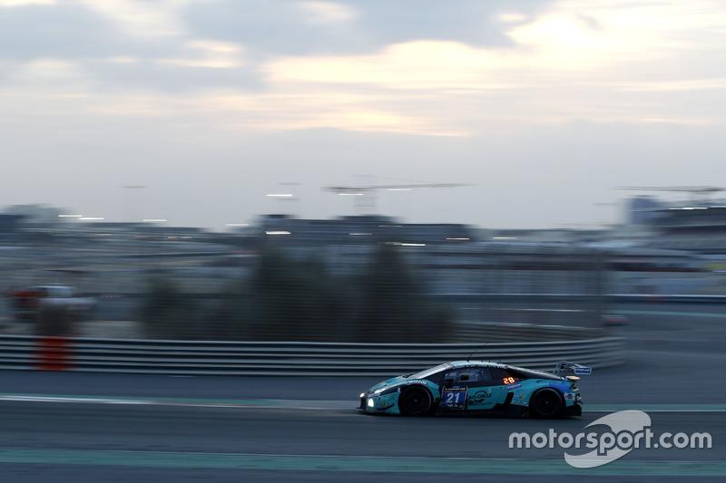 #21 Konrad Motorsport Lamborghini Huracan GT3: Marc Basseng, Marco Mapelli, Jules Gounon, Luca Stolz