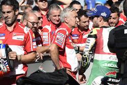 Cal Crutchlow, Team LCR Honda, mit Davide Tardozzi, Ducati