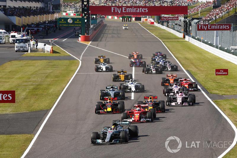 Partenza: Lewis Hamilton, Mercedes-Benz F1 W08 al comando
