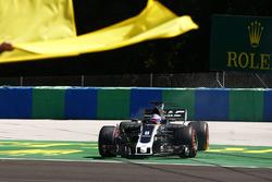 Romain Grosjean, Haas F1 Team VF-17, en tête-à-queue