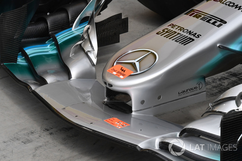 Переднє антикрило Mercedes-Benz F1 W08 Hybrid