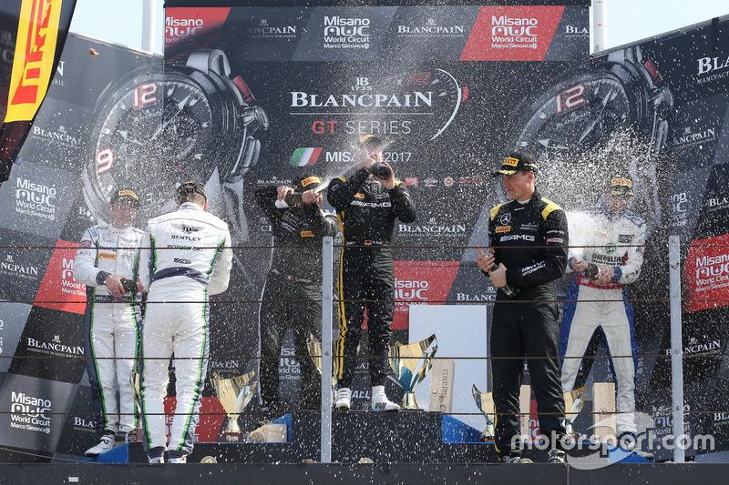 Podium: 1. #84 Mercedes-AMG Team HTP Motorsport, Mercedes-AMG GT3: Maximilian Buhk, Franck Perera; 2
