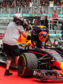 Race winner Max Verstappen, Red Bull Racing RB13 in parc ferme