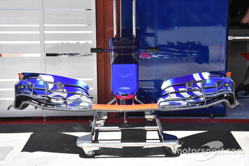 Переднее крыло Toro Rosso STR12