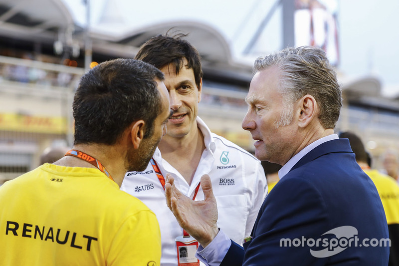 Cyril Abiteboul, Managing Director, Renault Sport F1 Team, Toto Wolff, Executive Director, Mercedes