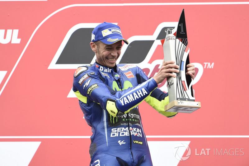 Podium: winnaar Valentino Rossi, Yamaha Factory Racing
