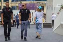 Valtteri Bottas, Mercedes AMG F1 y su entrenador Antti Vierula