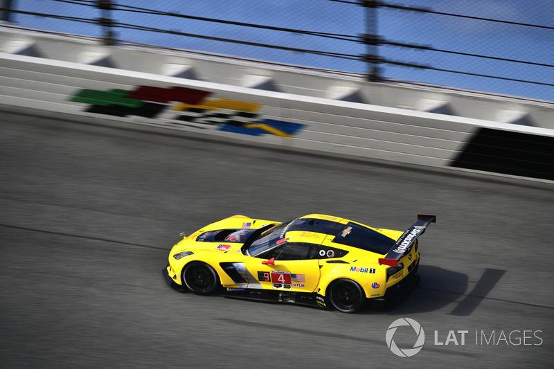 #4 Corvette Racing Chevrolet Corvette C7.R, GTLM: Олівер Гевін, Томмі Мілнер, Марсель Фасслер