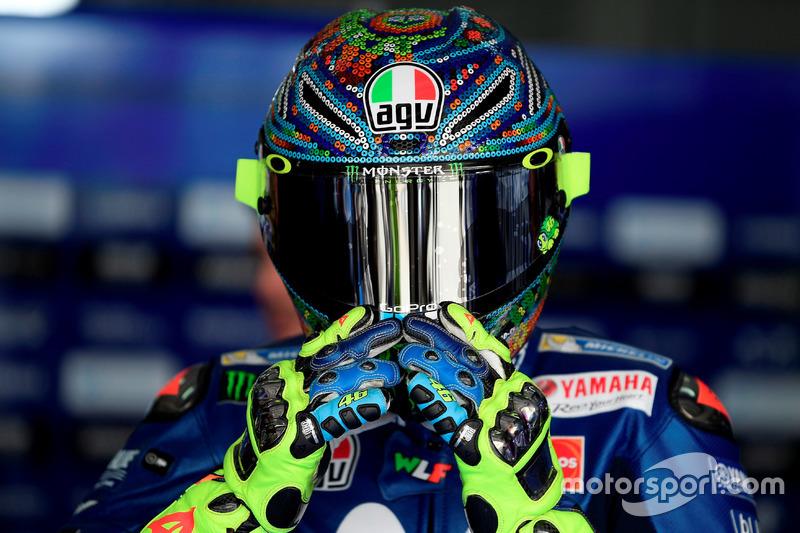 Valentino Rossi, Yamaha, nuevo casco test pretemporada