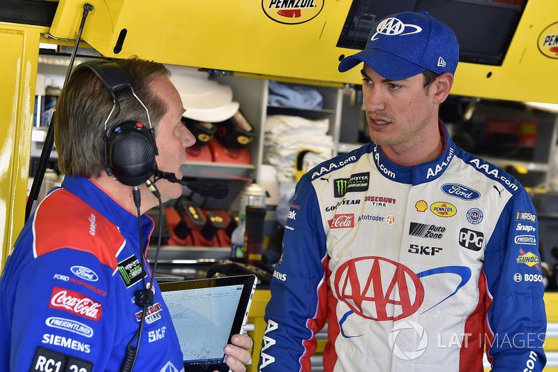 Todd Gordon and Joey Logano, Team Penske, Ford Fusion AAA Insurance