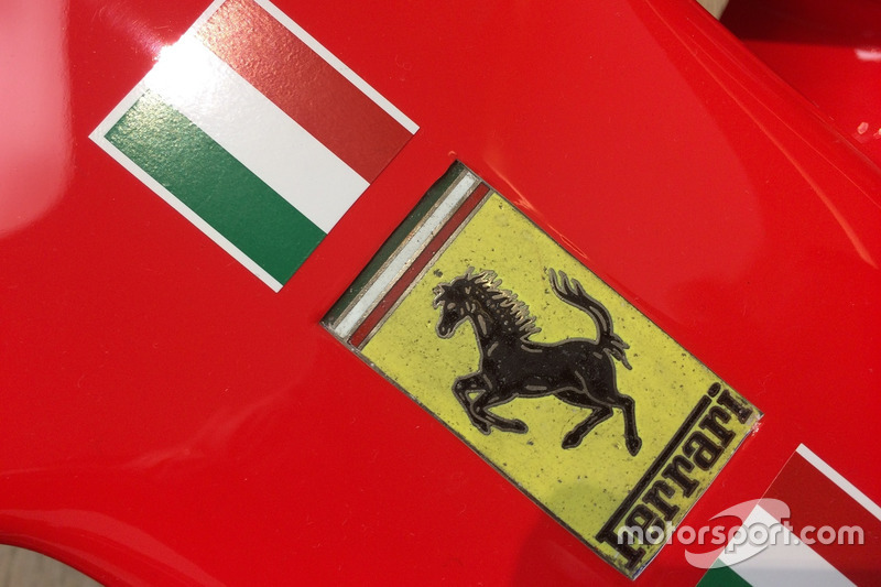 Logo Ferrari SF70H