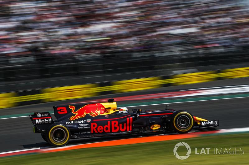 2017: Red Bull RB13 TAG Heuer (3 победы, 3-е место в КК)