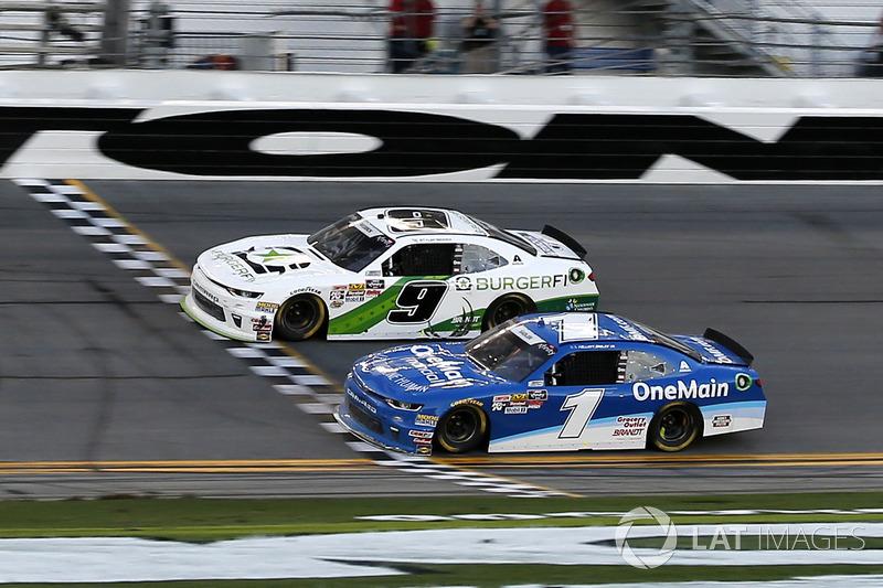 NASCAR Xfinity: 0,0004 seconde