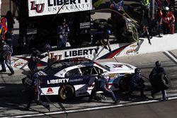 William Byron, JR Motorsports Chevrolet, pit stop