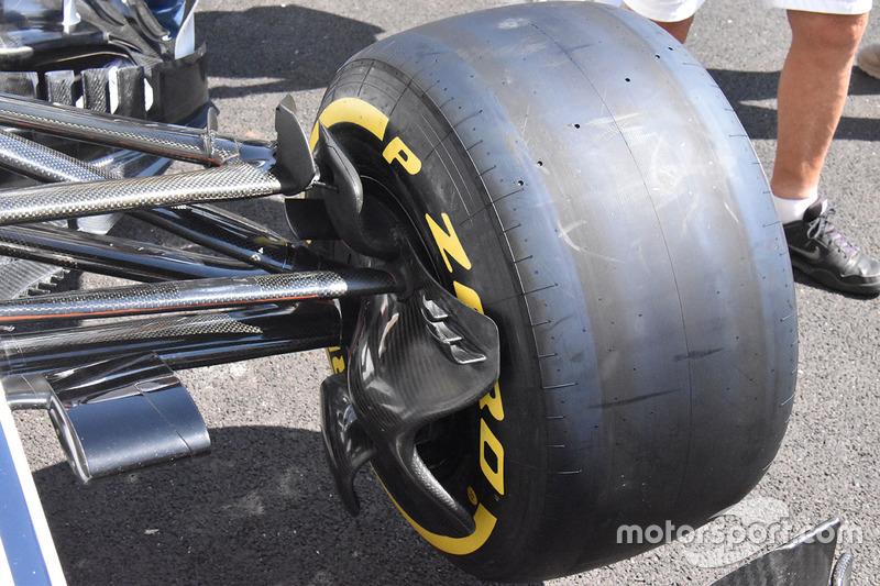 Sauber C37 front brake detail