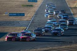 Start action, Scott McLaughlin, DJR Team Penske Ford leads