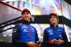 Pierre Gasly, Toro Rosso, y Brendon Hartley, Toro Rosso
