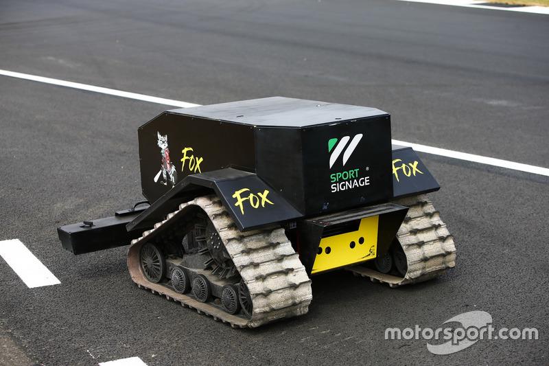 Dispositivo robotico in pista