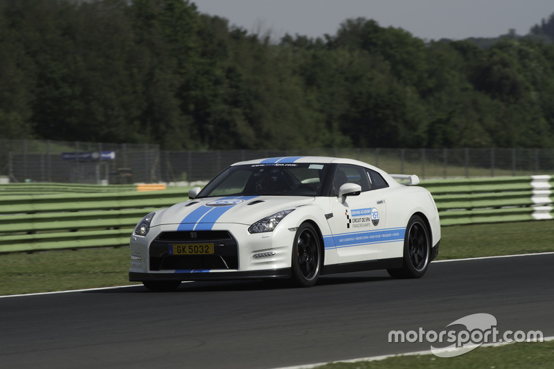 Test con le vetture in pista a Vallelunga