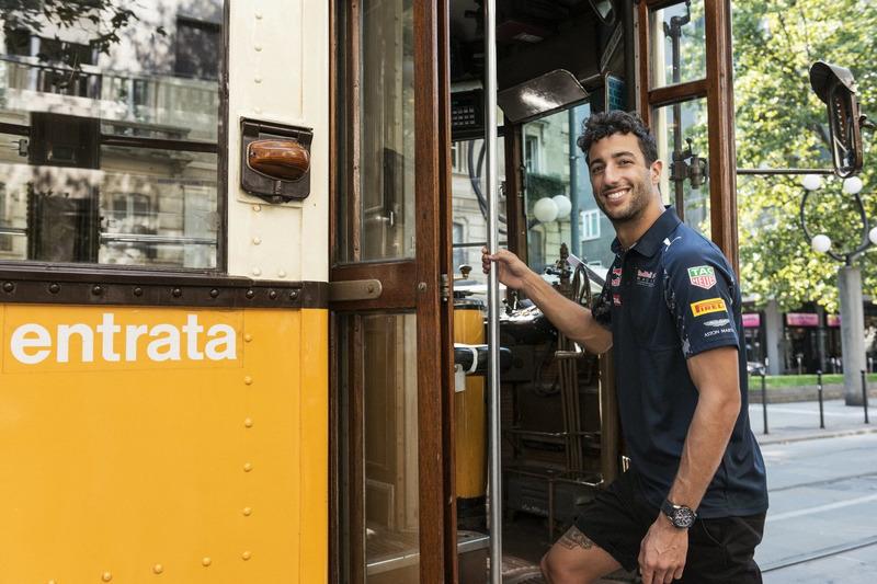Daniel Ricciardo gets in the historical tram of Milano