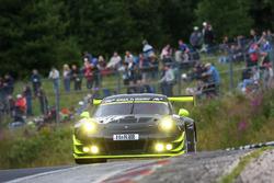 #911 Manthey Racing, Porsche GT3 R: Michael Ammermüller, Jörg Bergmeister