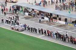 Dale Earnhardt feiert seinen Sieg