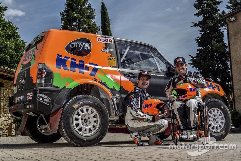 Isidre Esteve y Txema Villalobos con el Mitsubishi Montero 2017 KH7 Sport