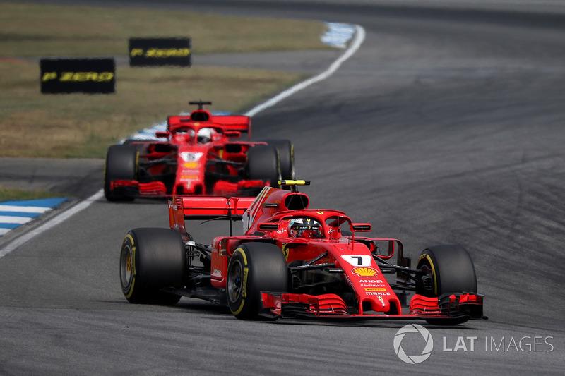 Kimi Raikkonen, Ferrari SF71H e Sebastian Vettel, Ferrari SF71H