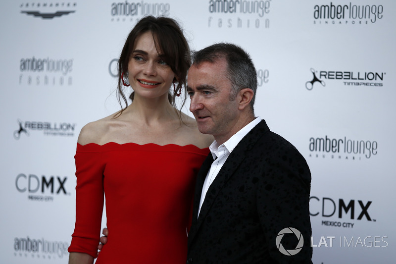 Технический директор Williams Падди Лоу и его жена Анна Даньшина
