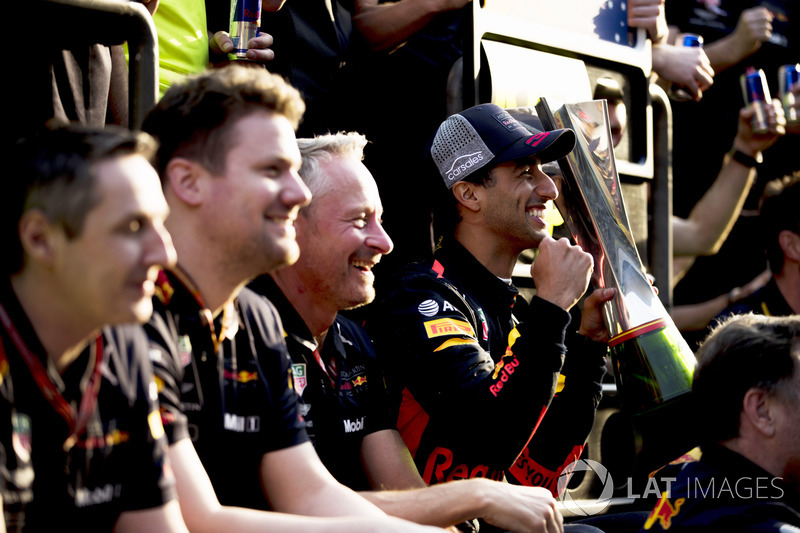 Race winner Daniel Ricciardo, Red Bull Racing celebrates with his team