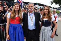 Chase Carey, baas van de Formula One Group, en vrouwen