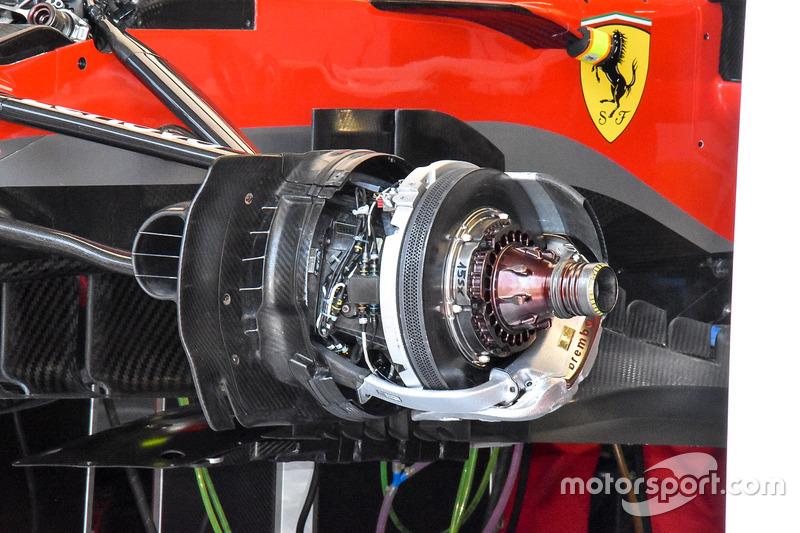 Geblazen wielnaaf Ferrari