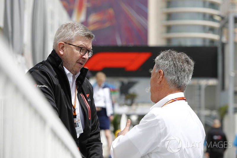 Chase Carey, Chief Executive Officer dan Executive Chairman Formula One Group, dan Ross Brawn, Formula One Managing Director of Motorsports
