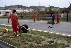 Martin Donnelly, Team Lotus, nach Unfall