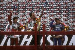 Podio: 1º Randy Mamola, 2º Eddie Lawson, 3º Christian Sarron
