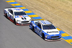 Ricky Stenhouse Jr., Roush Fenway Racing Ford, Kevin Harvick, Stewart-Haas Racing Ford