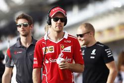 Fahrerparade: Sebastian Vettel, Ferrari; Romain Grosjean, Haas F1 Team; Valtteri Bottas, Mercedes AMG