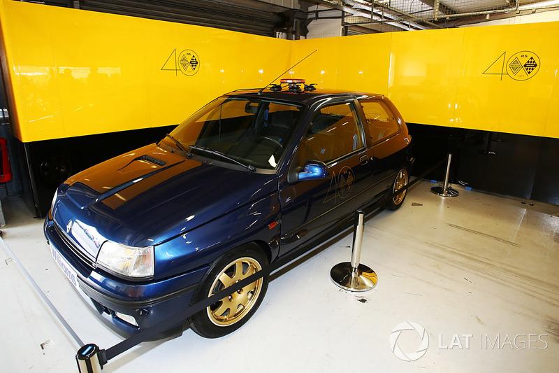 Renault Sport F1 Team F1 Historic Clio Wiliams