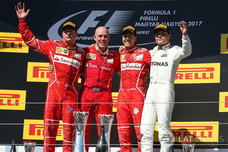 Podio: ganador de la carrera Sebastian Vettel, Ferrari, segundo lugar tercer lugar de Kimi Raikkonen, Ferrari, Valtteri Bottas, Mercedes AMG F1, Jock claro, ingeniero jefe de Ferrari