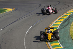 Nico Hulkenberg, Renault Sport F1 Team RS17, leads Esteban Ocon, Force India VJM10