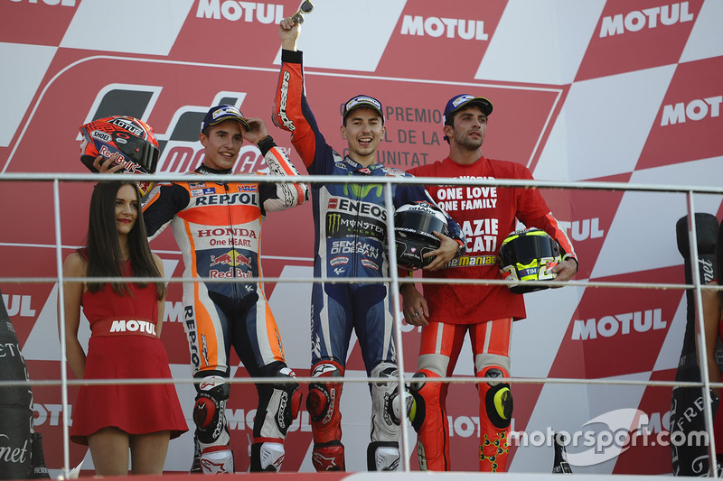 Podio: 1º Jorge Lorenzo, 2º Marc Marquez, 3º Andrea Iannone