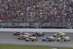 Martin Truex Jr., Furniture Row Racing Toyota, Erik Jones, Furniture Row Racing Toyota, restart, Kyle Larson, Chip Ganassi Racing Chevrolet