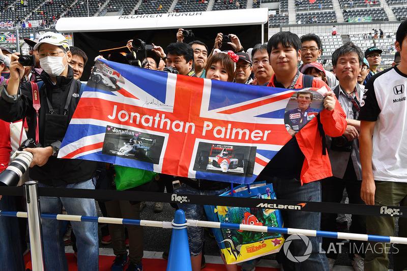 Уболівалники Джоліона Палмера, Renault Sport F1 Team