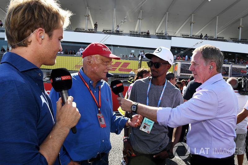 Nico Rosberg, Embajador de Mercedes-Benz, Niki Lauda, Mercedes AMG F1 Presidente no ejecutivo, Mo Farah, Martin Brundle, Sky TV