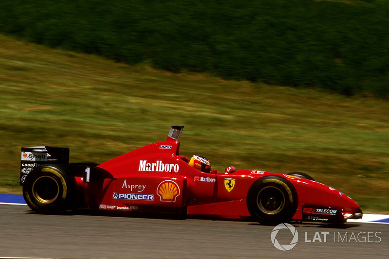 Начало девяностых складывалось для Ferrari не лучшим образом: с 1991 по 1995 годы онадобилась лишь двух побед – с Герхардом Бергером в Германии в 1994-м и с Жаном Алези в Канаде в 1995-м. А последний Кубок Конструкторов так вообще завоевала в 1983-м.