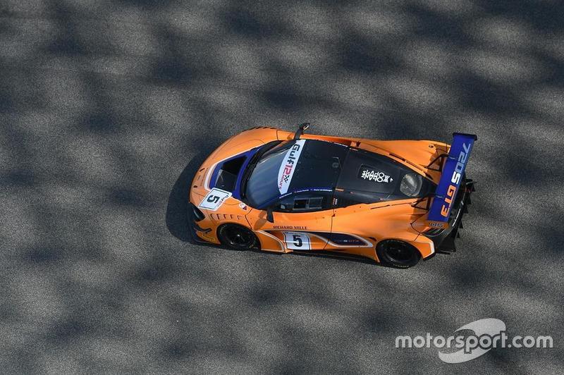 #5 McLaren Customer Racing McLaren 720S GT3: Ben Barnicoat, Alvaro Parente, Shane Van Gisbergen