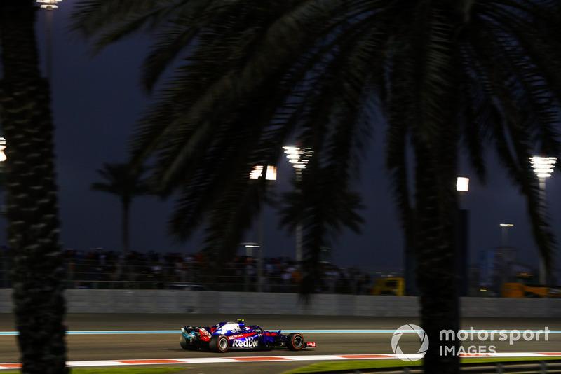DNF: Pierre Gasly, Scuderia Toro Rosso STR13
