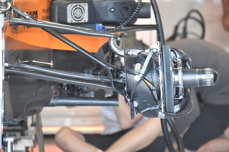 McLaren MCL34 suspension detail