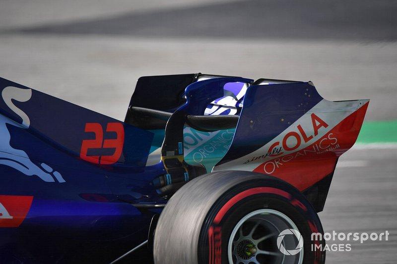 Alerón trasero del Scuderia Toro Rosso STR14