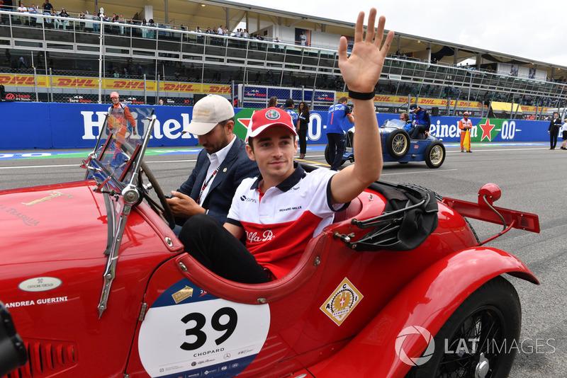 Charles Leclerc, Sauber en el desfile de pilotos